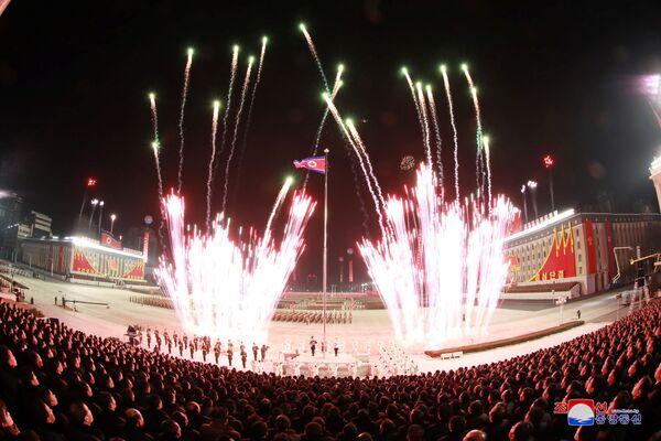 El desfile militar celebrado con motivo del VIII Congreso del Partido de los Trabajadores de Corea. - Sputnik Mundo