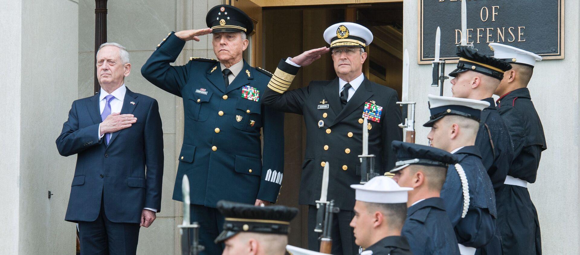 Secretario de Defensa de EEUU, James Mattis, recibe a su homólogo mexicano, Salvador Cienfuegos Zepeda, en Pentágono (2017) - Sputnik Mundo, 1920, 20.01.2021
