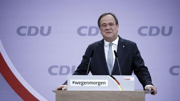 El jefe del Gobierno de Renania del Norte-Westfalia, Armin Laschet, fue elegido nuevo líder del partido gobernante alemán Unión Demócrata Cristiana (CDU). Ahora, se postula para sustituir a la actual canciller, Angela Merkel, que permanece en el poder desde el 2005. - Sputnik Mundo