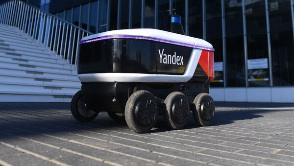 El robot mensajero Yandex.Rover - Sputnik Mundo