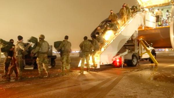 Cientos de soldados se dirigen a Washington antes de la inauguración de Biden - Sputnik Mundo