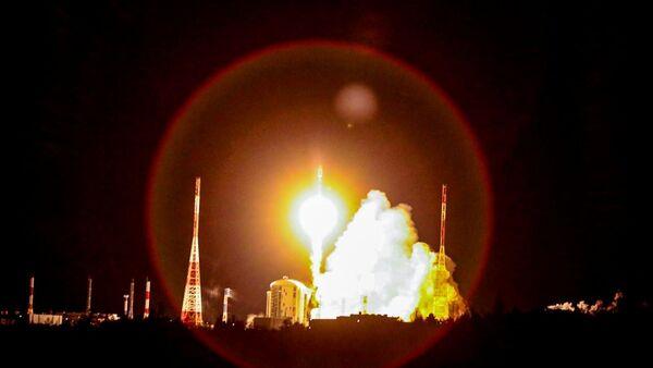 Lanzamiento de un cohete en Rusia - Sputnik Mundo