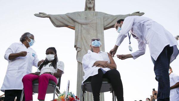 La vacunación en Río de Janeiro - Sputnik Mundo