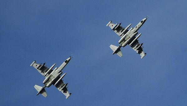 Dos aviones de asalto Su-25 rusos (archivo) - Sputnik Mundo