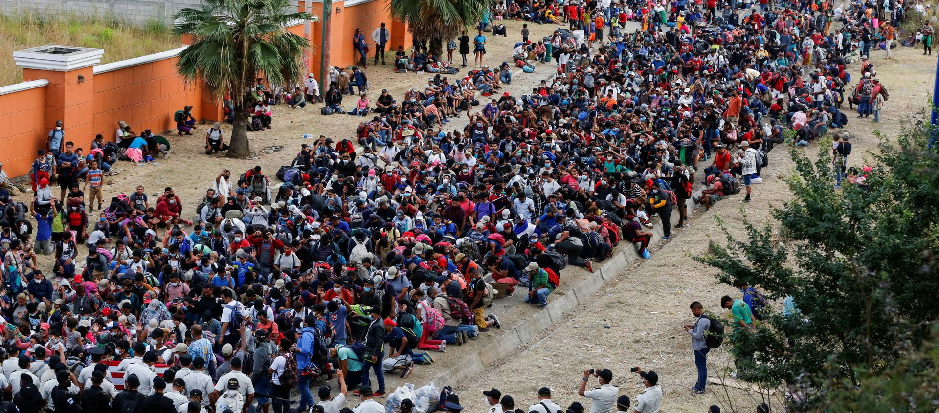 Caravana de migrantes en Guatemala - Sputnik Mundo, 1920, 06.02.2021
