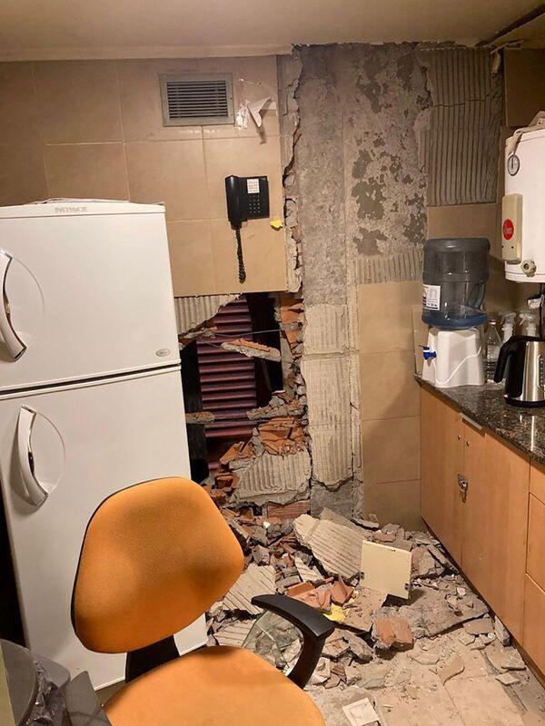 En 1944, San Juan registró un terremoto de magnitud de más de 7 puntos que provocó la muerte de unas 10.000 personas. En 1977 se registró otro terremoto de gran magnitud que dejó más de 60 muertos. En la foto: el interior de una casa con las paredes destruidas por el terremoto. - Sputnik Mundo