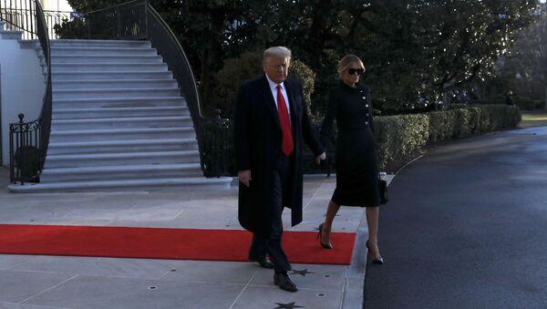 Donald y Melania Trump dejan la Casa Blanca - Sputnik Mundo