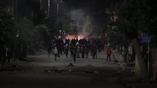 Las protestas continúan en Túnez por quinta noche consecutiva  - Sputnik Mundo