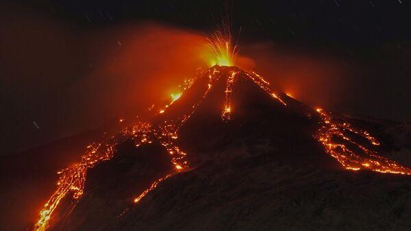 Извержение вулкана Этна, Италия - Sputnik Mundo