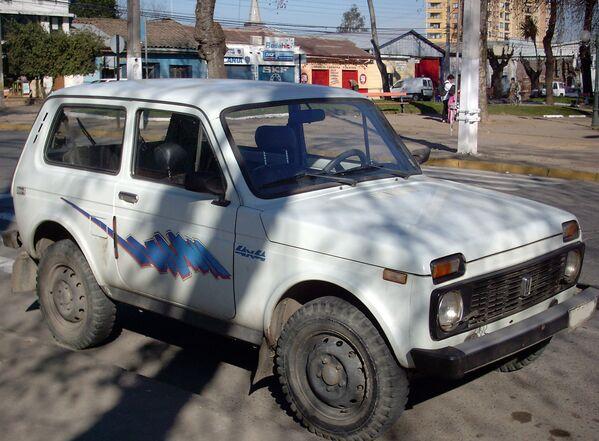 Modelo de Lada Niva 2121 que se fabricaba hasta 1994. - Sputnik Mundo