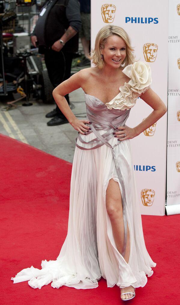 La actriz y presentadora de televisión británica Amanda Holden. - Sputnik Mundo