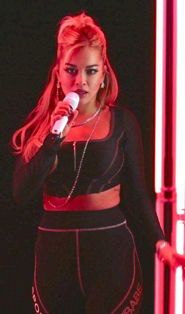 La cantante, compositora y actriz británica de ascendencia kosovar Rita Ora. - Sputnik Mundo