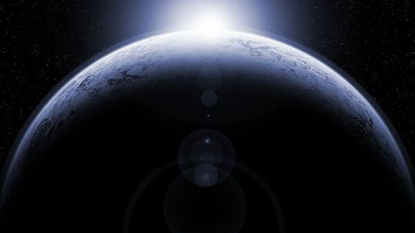 Una estrella y un planeta (imagen referencial) - Sputnik Mundo