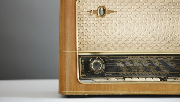 Un radio viejo (imagen referencial) - Sputnik Mundo