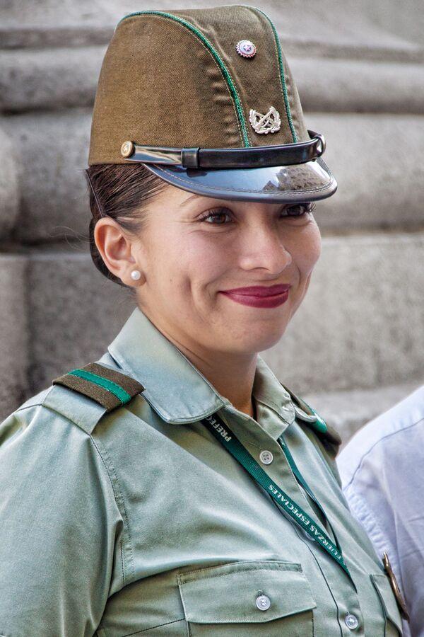 En Chile, donde las mujeres desempeñan un papel importante en todos los ámbitos, las mujeres representaban en 2018 el 12,7% de efectivos de las Fuerzas Armadas, según datos del Observatorio militar para la igualdad entre mujeres y hombres.  - Sputnik Mundo