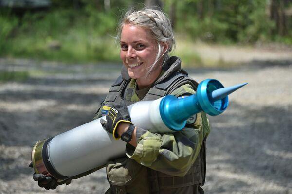 Las mujeres soldado representan el 16% del total de las Fuerzas Armadas suecas (datos de 2017). - Sputnik Mundo