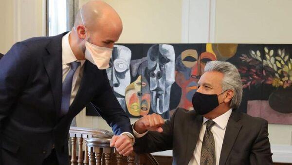 El presidente de Ecuador, Lenín Moreno, con el director Senior para el Hemisferio Occidental del Consejo de Seguridad Nacional de EEUU, Juan González - Sputnik Mundo