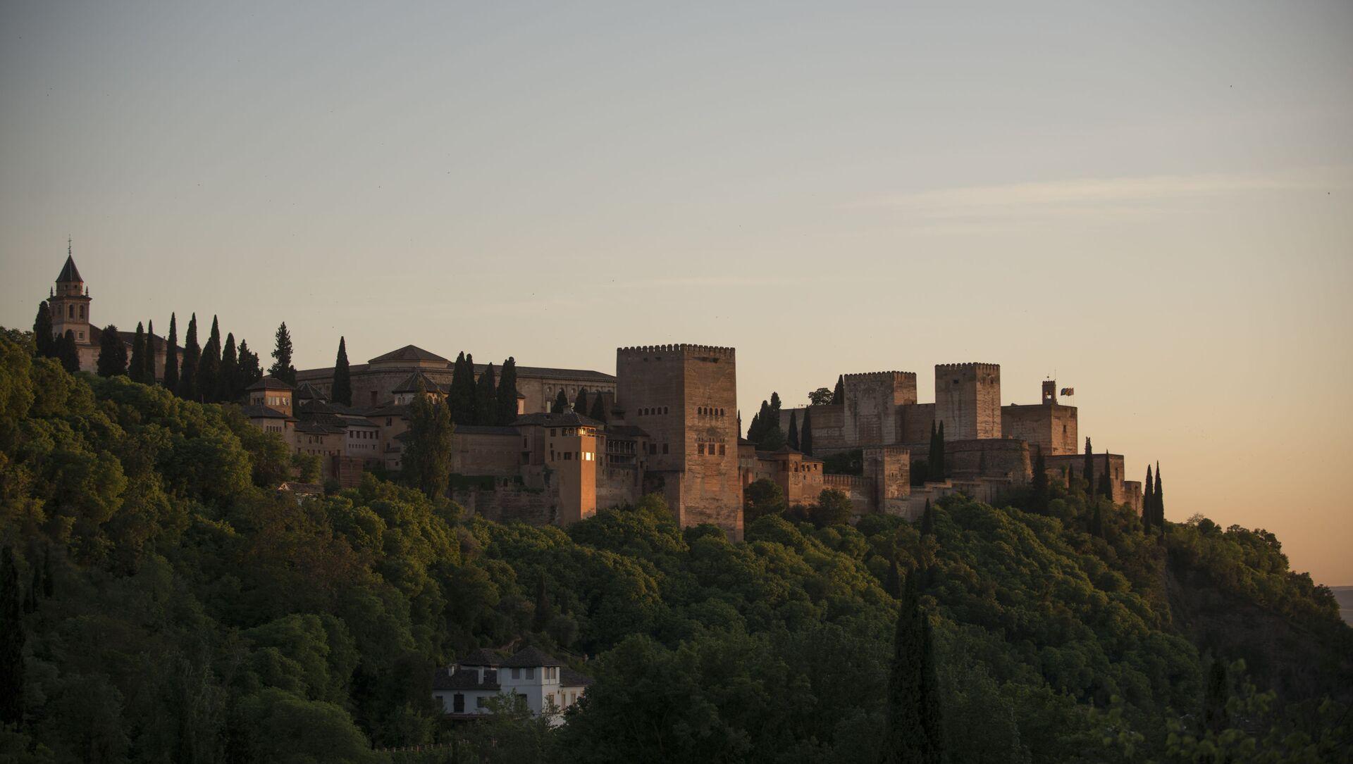 Vista general de la Alhambra de Granada. 2 de mayo de 2020. - Sputnik Mundo, 1920, 28.01.2021