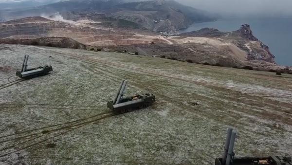 Rusia despliega 'bastiones' en la costa de Crimea - Sputnik Mundo