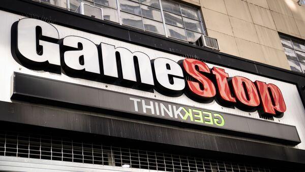 El logo de la cadena de videojuegos  GameStop  - Sputnik Mundo