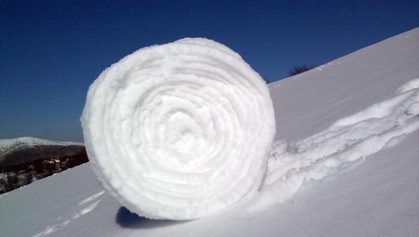 Un rollo de nieve, foto de archivo - Sputnik Mundo