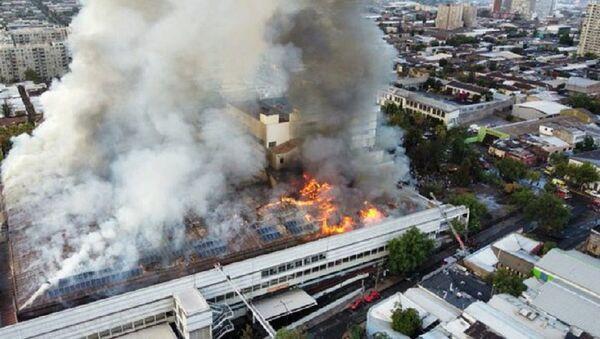 Incendio en el Hospital San Borja Arriarán - Sputnik Mundo
