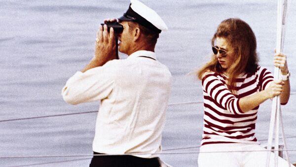 El príncipe Felipe de Edimburgo junto a su hija, Ana del Reino Unido, en mayo de 1970 - Sputnik Mundo