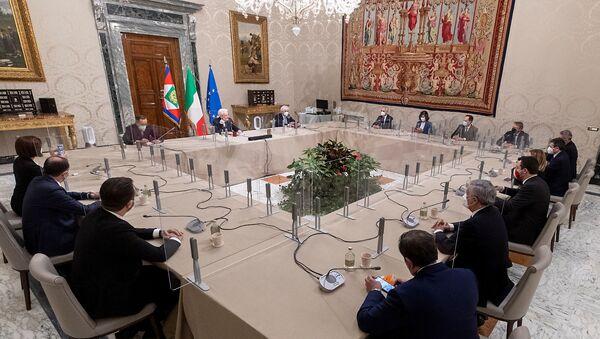 El presidente italiano Sergio Mattarella mantiene conversaciones en el Palacio del Quirinal en Roma, Italia - Sputnik Mundo