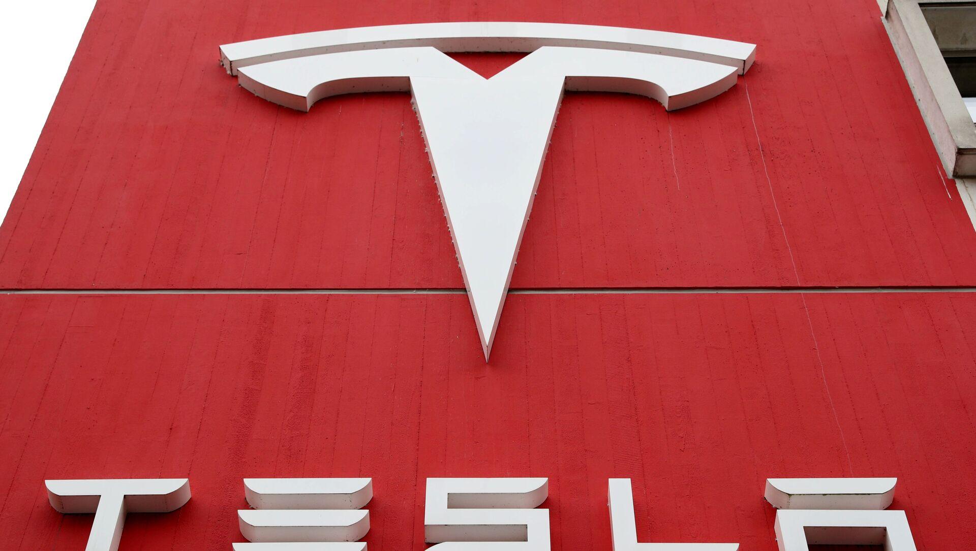 El logo de Tesla - Sputnik Mundo, 1920, 01.02.2021