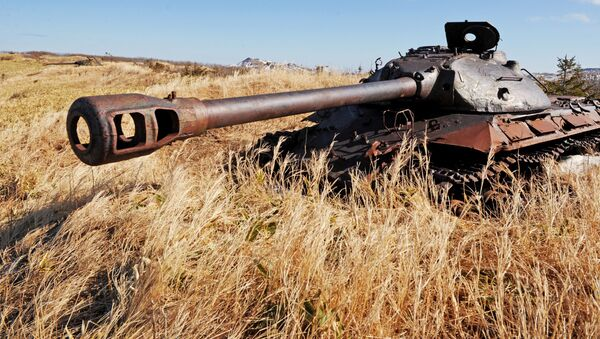 Tanque soviético IS-3 en la isla Shikotán, archipiélago de las Kuriles - Sputnik Mundo