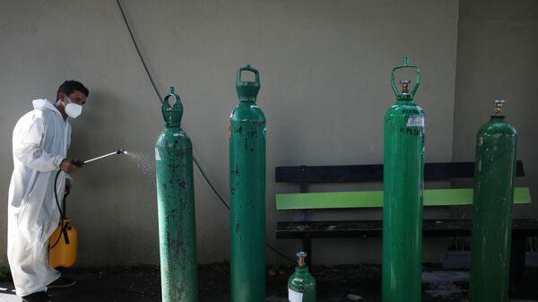 Bombonas de oxígeno en Manaos, Brasil - Sputnik Mundo