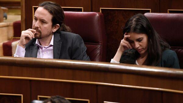 Pablo Iglesias e Irene Montero en el congreso de los diputados - Sputnik Mundo