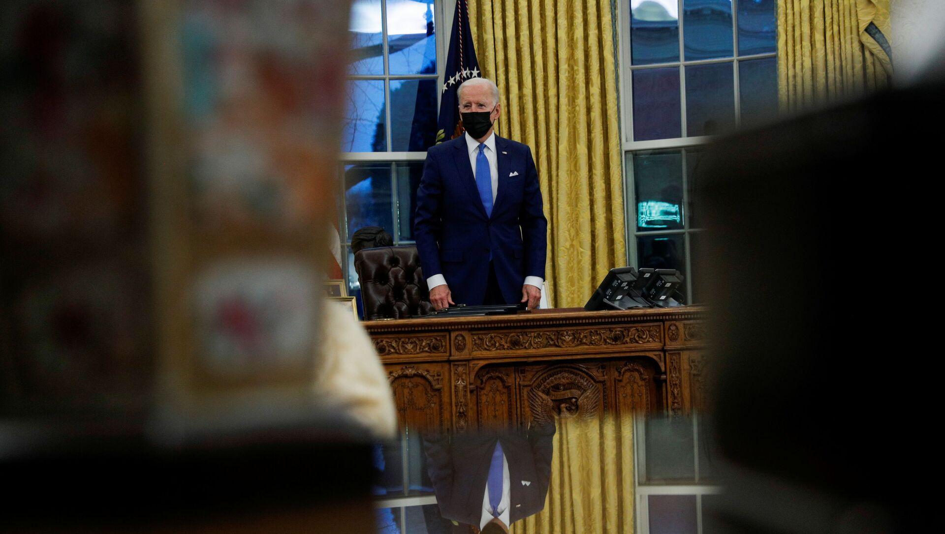 Joe Biden, presidente de EEUU, en el Despacho Oval de la Casa Blanca - Sputnik Mundo, 1920, 04.02.2021