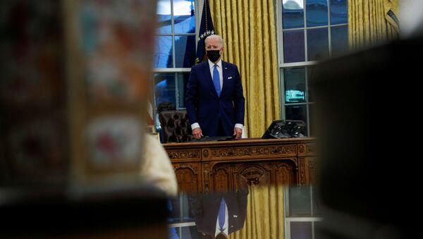 Joe Biden, presidente de EEUU, en el Despacho Oval de la Casa Blanca - Sputnik Mundo