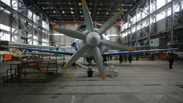 Las pruebas del primer sistema de propulsión híbrido para aviones en Rusia - Sputnik Mundo