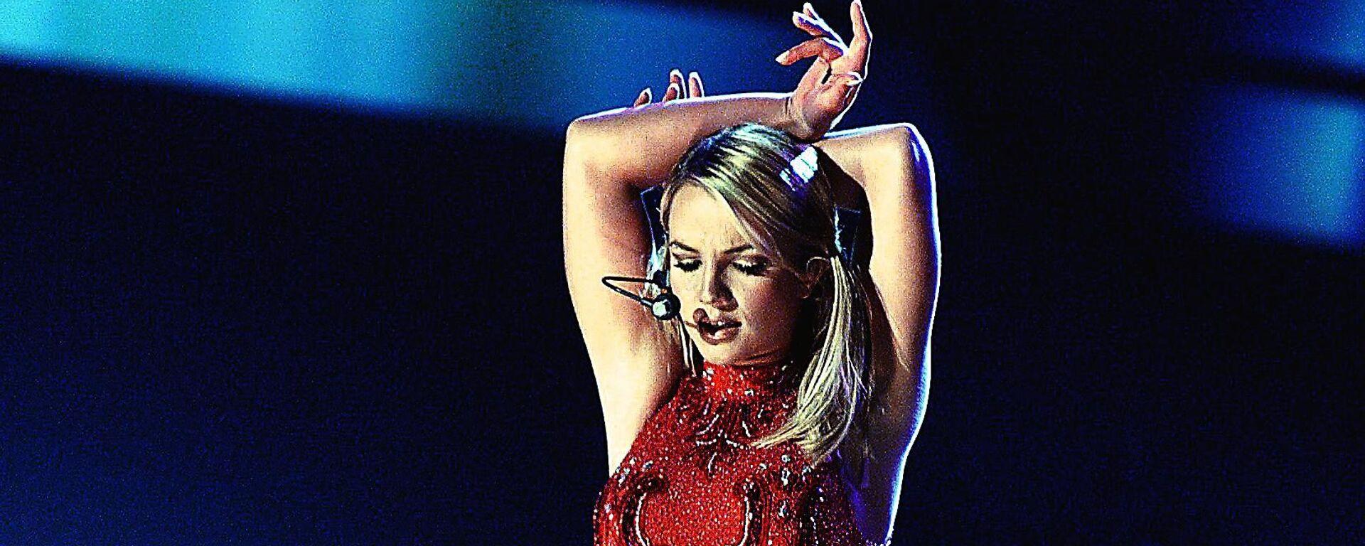 La cantante Britney Spears en febrero de 2000 - Sputnik Mundo, 1920, 24.02.2021