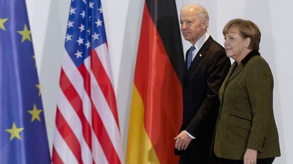 El presidente de EEUU, Joe Biden, y la canciller alemana, Ángela Merkel (archivo) - Sputnik Mundo