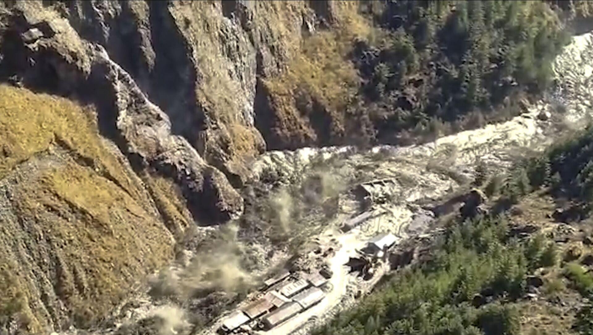 Inundación tras la ruptura de un glaciar del Himalaya (La India) - Sputnik Mundo, 1920, 07.02.2021