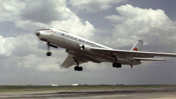 Avión soviético Tu-104 - Sputnik Mundo