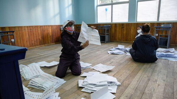 El escrutinio de votos en Ecuador - Sputnik Mundo
