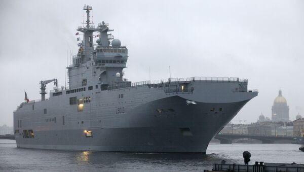 Un buque de asalto de la clase Mistral de la Armada rusa - Sputnik Mundo