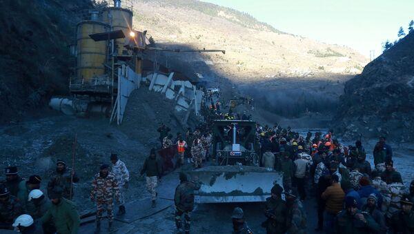 Lugar del desprendimiento de un glaciar en el Himalaya, la India - Sputnik Mundo