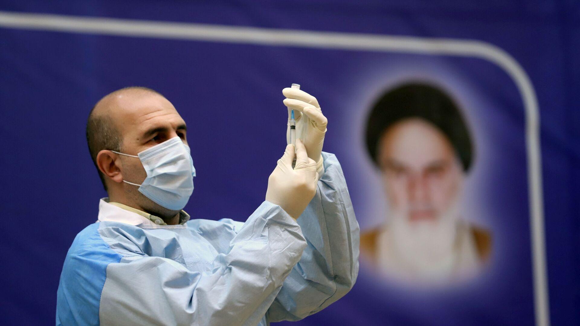 La inmunización contra el coronavirus con la vacuna rusa Sputnik V en Irán - Sputnik Mundo, 1920, 11.02.2021