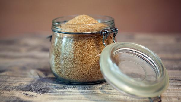 Azúcar moreno, imagen ilustrativa - Sputnik Mundo