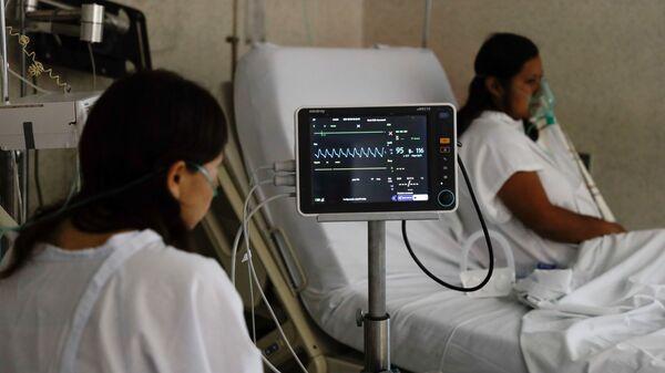 Una paciente con COVID-19, México - Sputnik Mundo