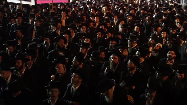 La Policía israelí dispersa a los judíos ultraortodoxos que desafían las medidas anti-COVID - Sputnik Mundo