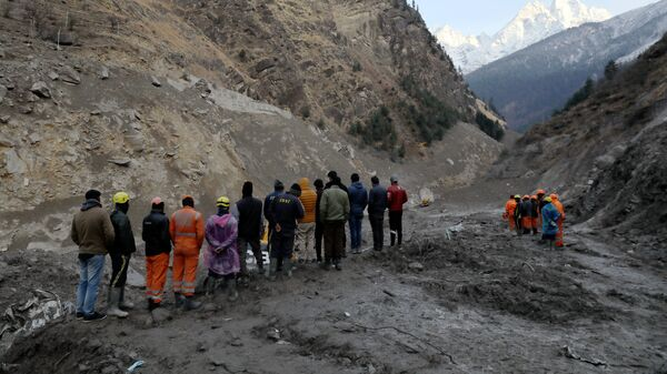 Operaciones de rescate tras el desprendimiento de un glaciar del Himalaya - Sputnik Mundo