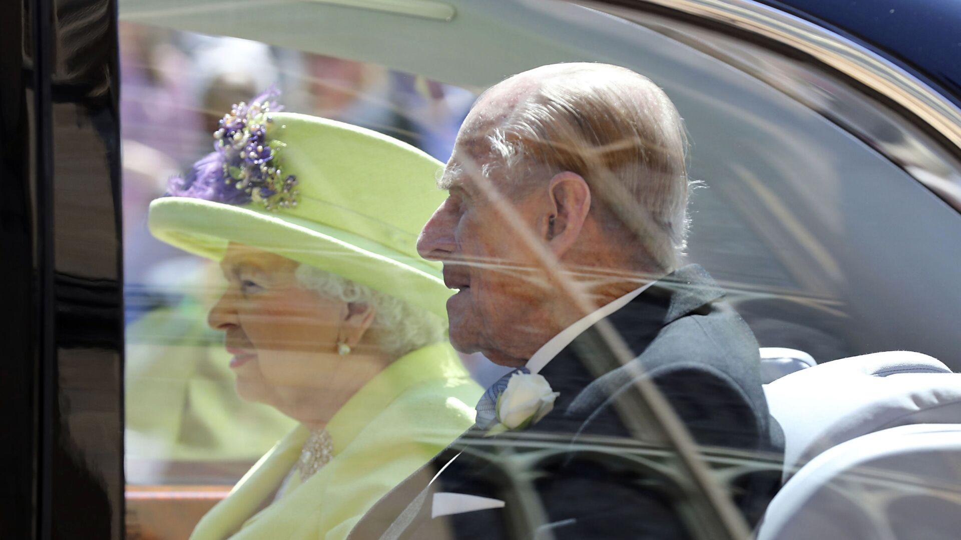 La reina Isabel II del Reino Unido y el príncipe Felipe - Sputnik Mundo, 1920, 17.02.2021