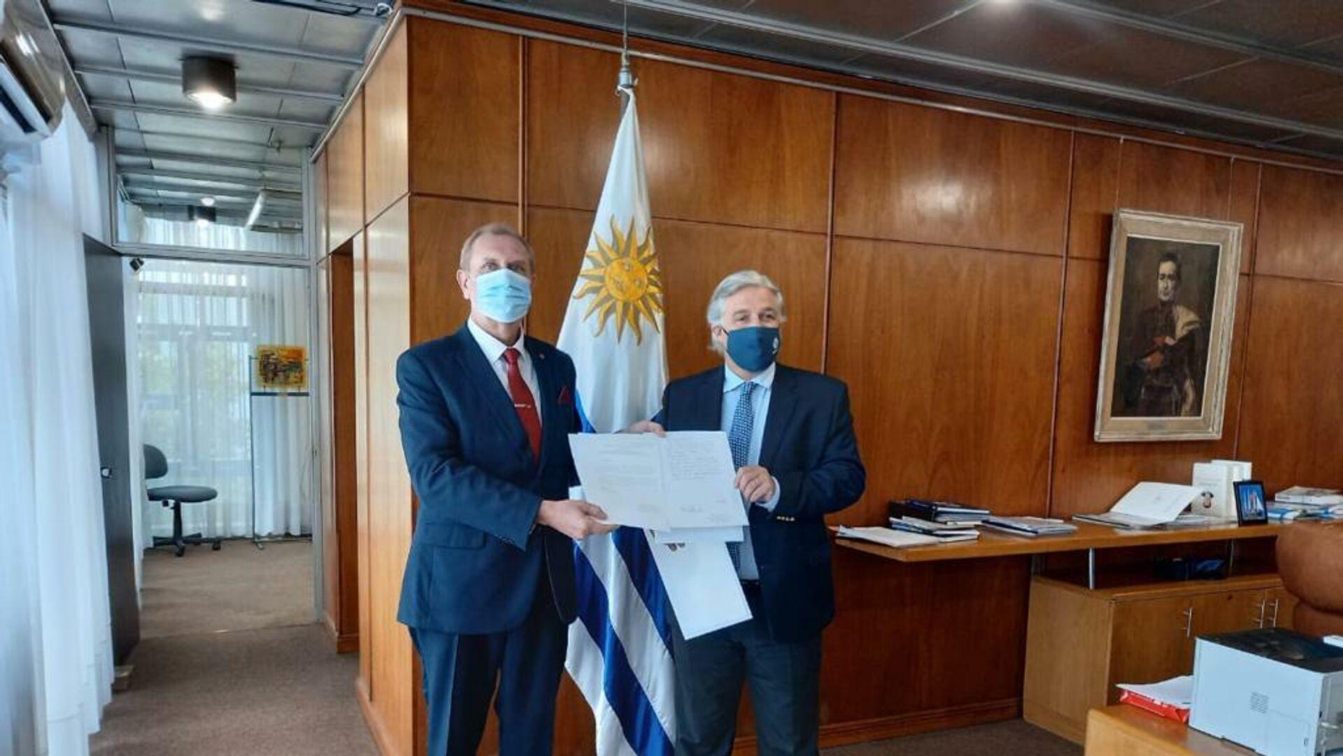 El embajador de la Federación de Rusia en Uruguay, Andréi Budáev, presentó la copia de sus cartas credenciales al canciller Francisco Bustillo - Sputnik Mundo, 1920, 22.07.2021