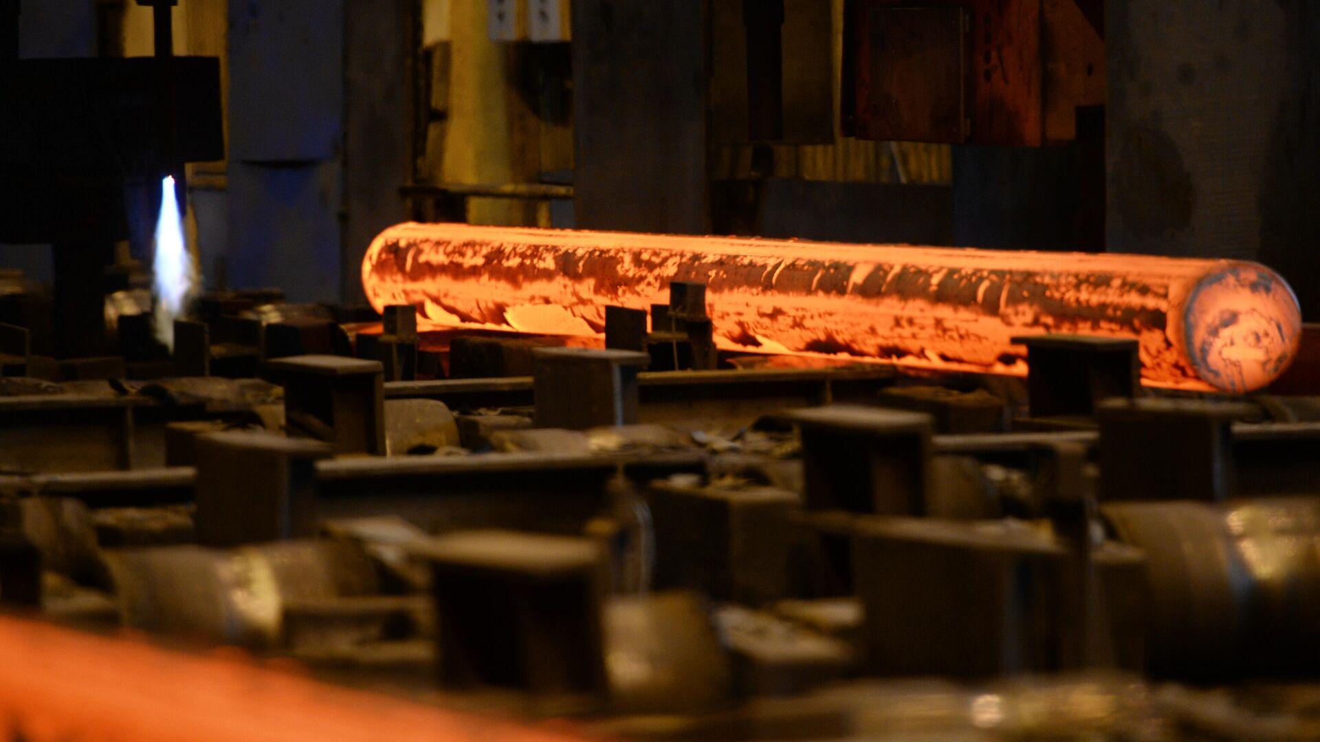 La producción de acer en una planta - Sputnik Mundo, 1920, 14.02.2021